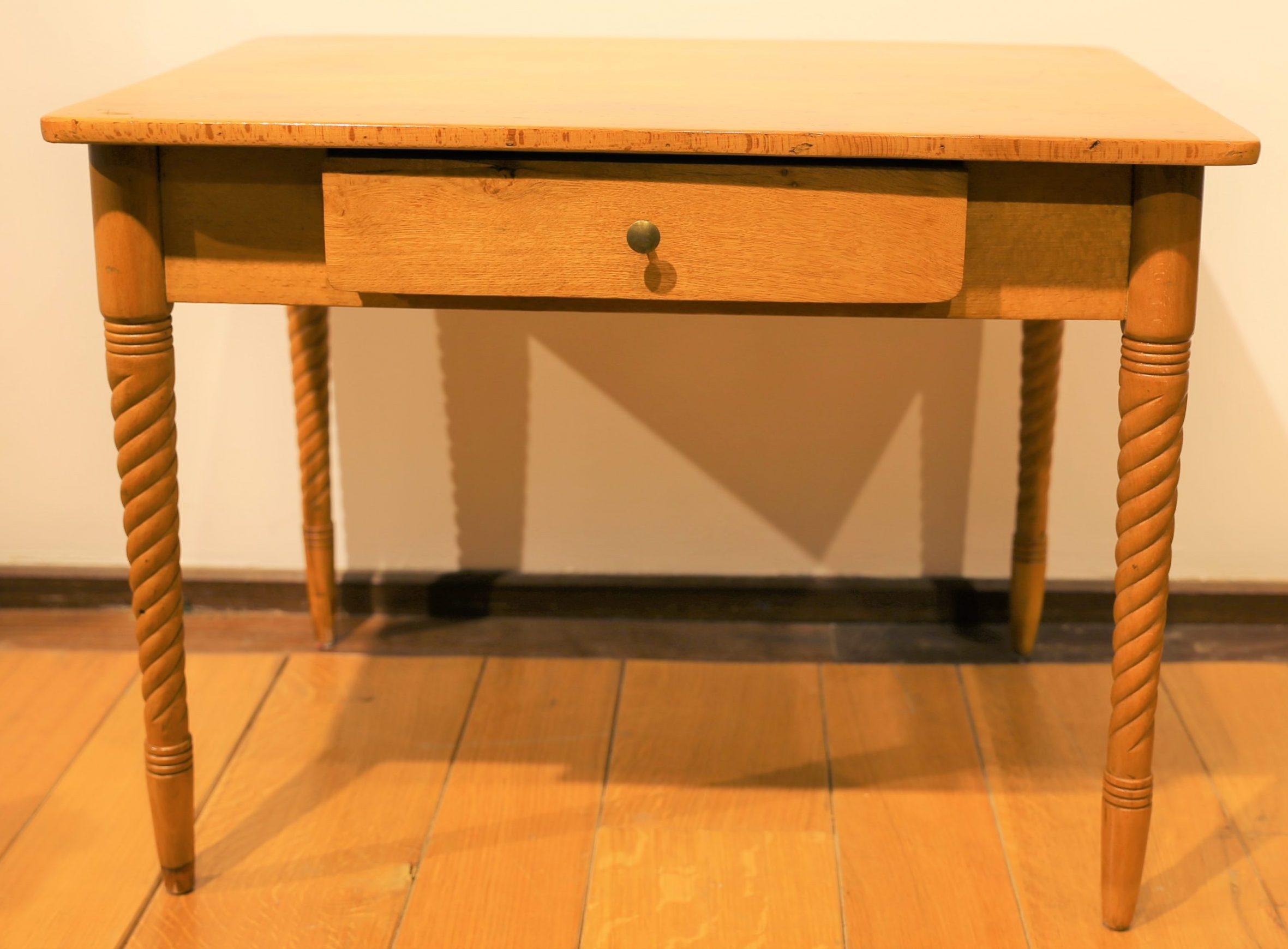 Modell-Tisch – Kindertisch um 1860
