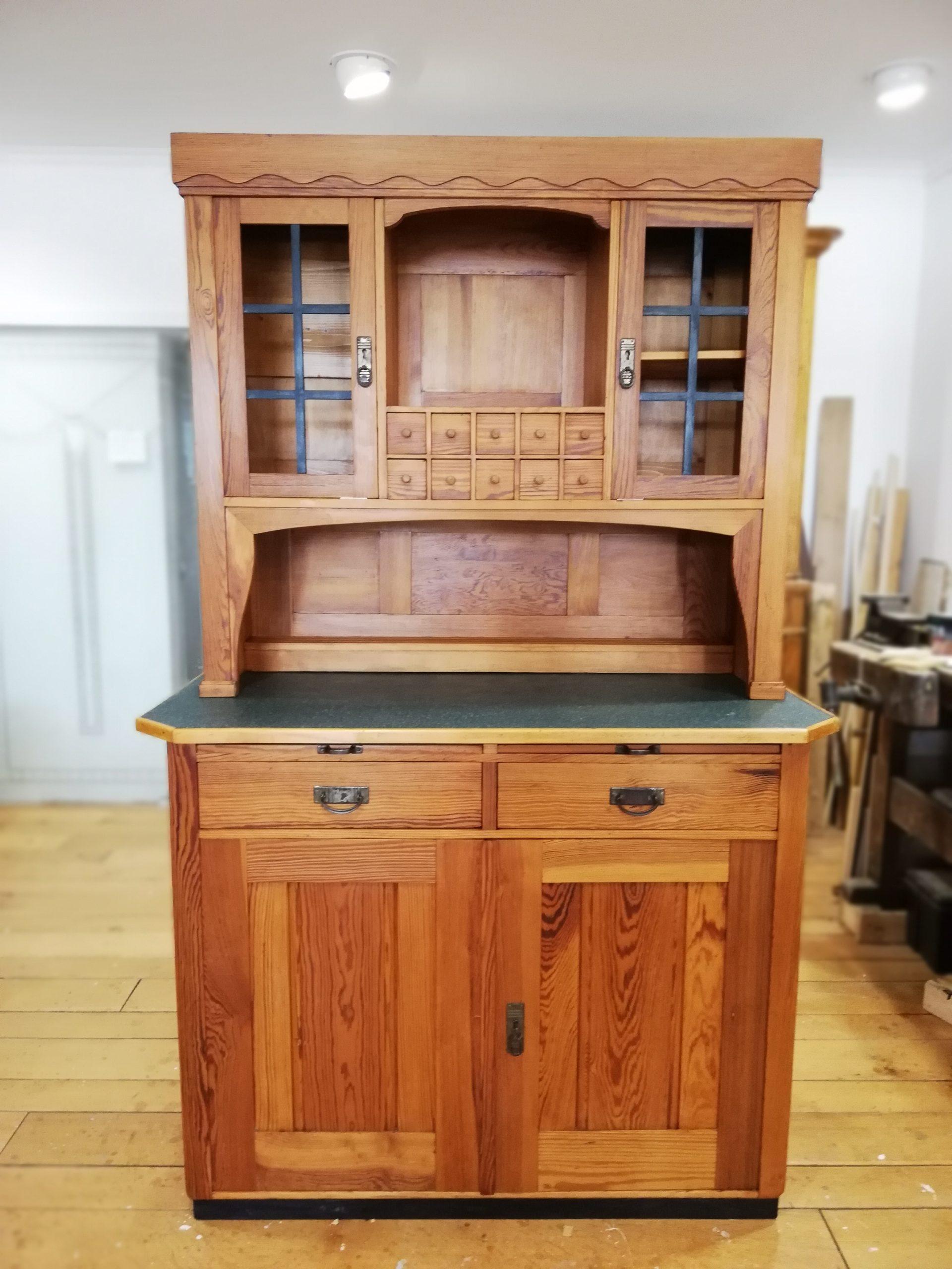 Küchenbuffet um 1900 – Weichholz